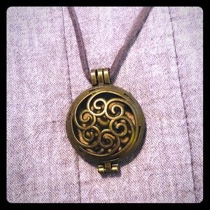 Jewelry - Diffuser Necklace Essential Oil